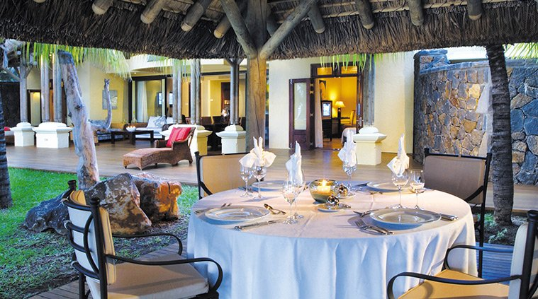 table Villas Paradis and Golf Club le morne