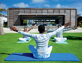 hotel-ile-maurice-long-beach-yoga
